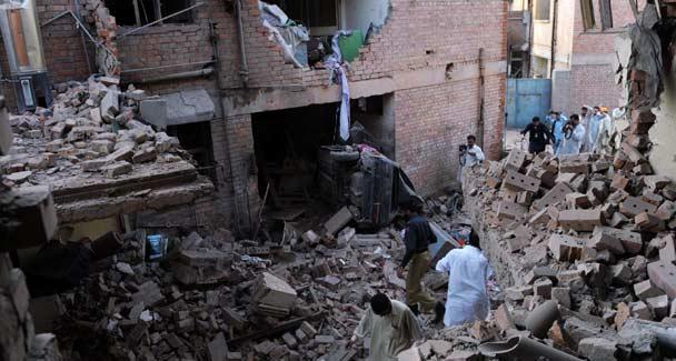 peshawar-blast-oct-15-afp-608